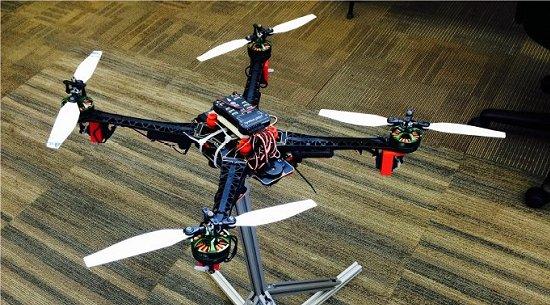 Drones em queda controlada fazem voos para simular Zero G