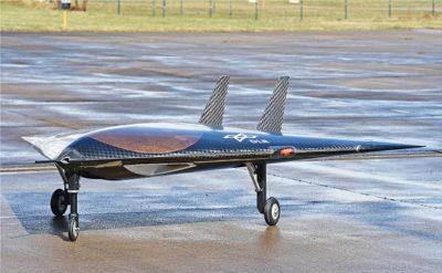 O modelo em escala 1:4 mede 3 metros de comprimento por 3 metros de envergadura. [Imagem: DLR]