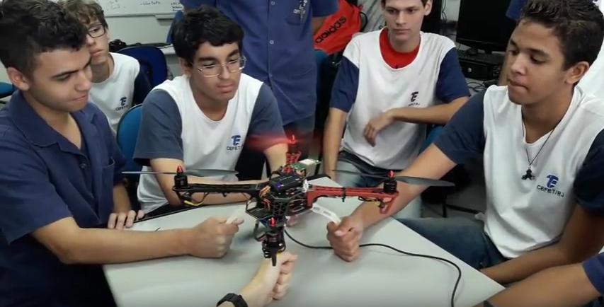 Equipe Robótica Maracanã representa o CEFET-RJ na competição