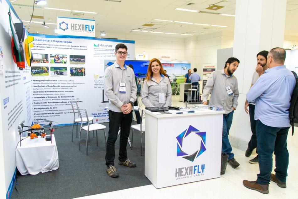 Estande da Hexafly em edição recente da feira MundoGEO Connect e DroneShow