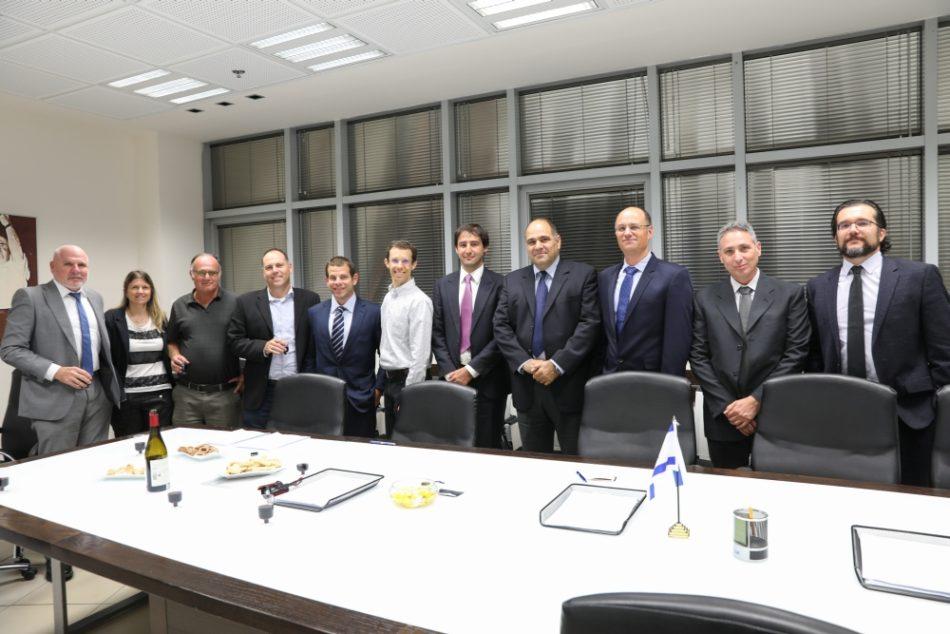 As equipes da IAI e Santos Lab (Imagem: IAI)