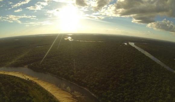 Drones fotografam e monitoram áreas de difícil acesso na Amazônia