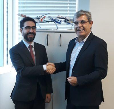 Roberto Honorato e Emerson Granemann em reunião na ANAC