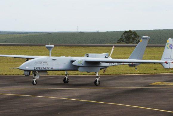 Drone brasileiro Caçador realiza seu primeiro voo em São Paulo