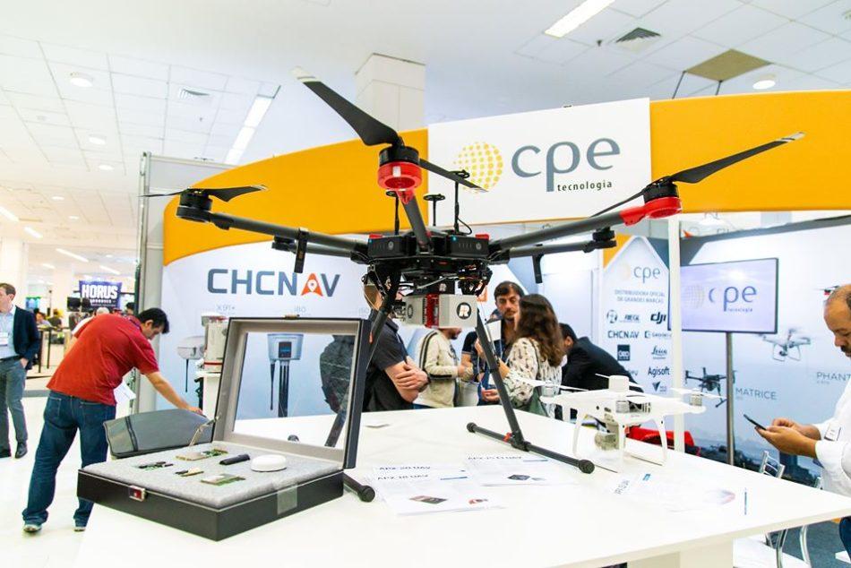 Estande da CPE em edição recente da feira MundoGEO Connect e DroneShow