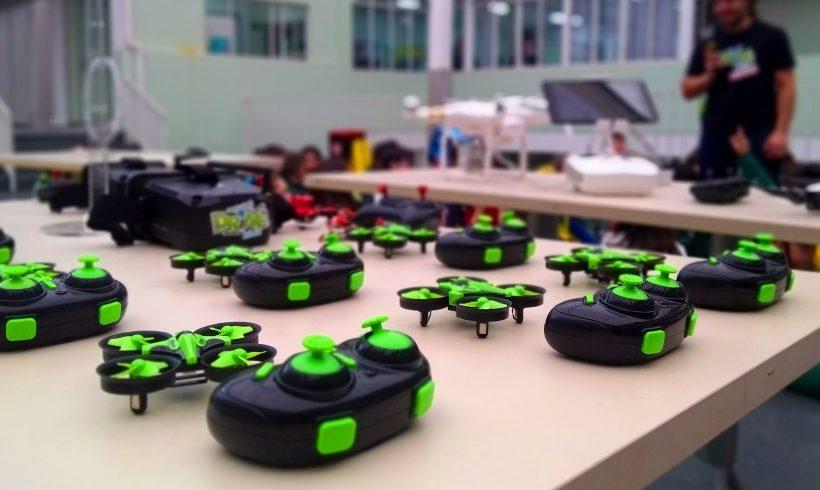 Curso de pilotagem de drones para crianças: diversão e educação