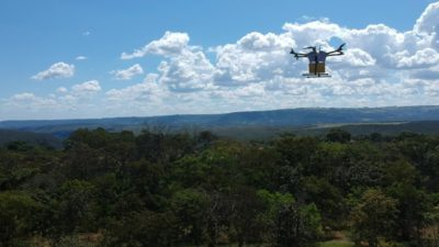 delivery drone em acao