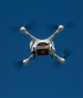 Primeiras entregas de medicamentos usando drones acontecem nos EUA