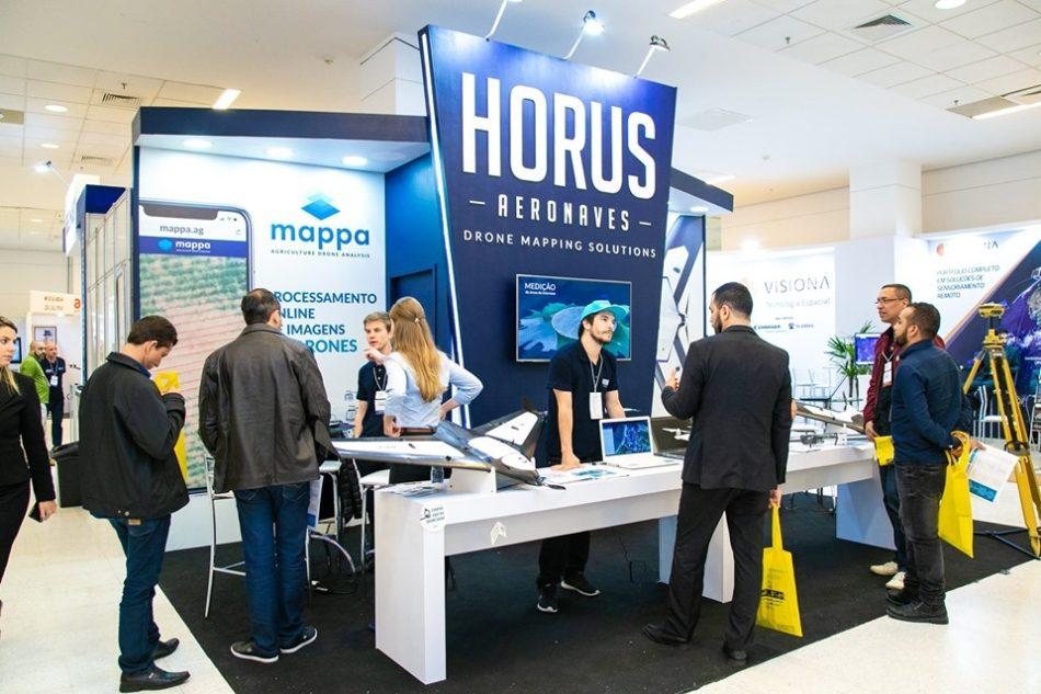 Estande da Horus em edição recente da feira MundoGEO Connect e DroneShow