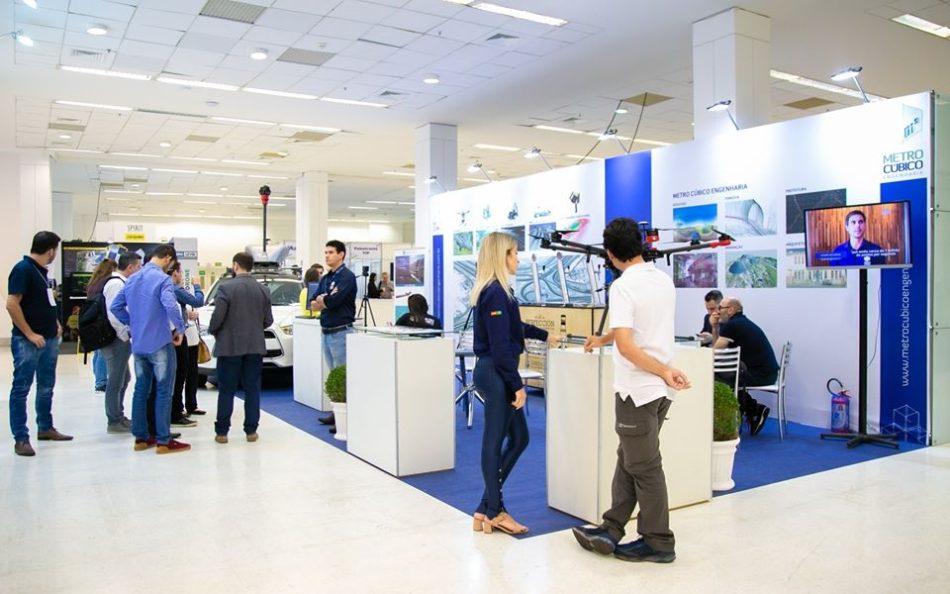 Estande da Metro Cúbico na última edição da feira DroneShow e MundoGEO Connect