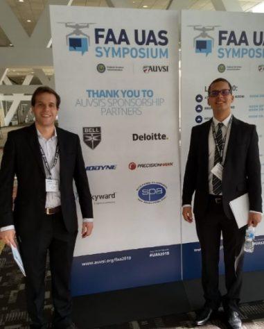 André Arruda e Lucas Florêncio, fundadores da AL Drones, no painel do FAA UAS Symposium