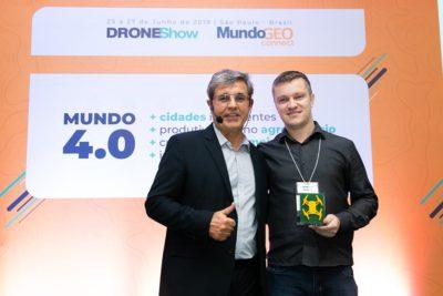 ganhador do premio geo e drones para recursos naturais