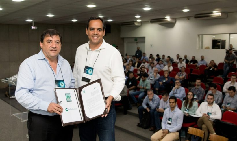Esalq assina parceria com hub de inovação no Agronegócio