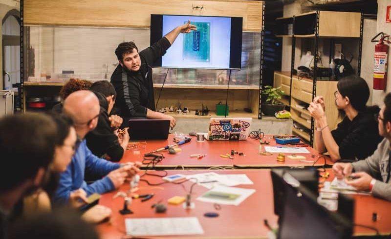 Red Bull Station recebe ciclo de palestras sobre construção de Drones e realidade aumentada