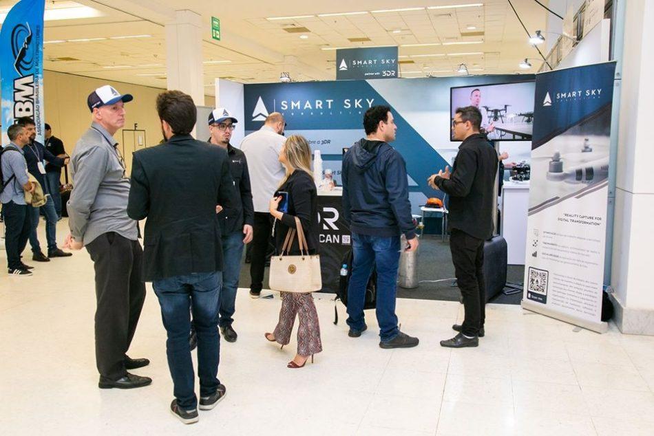 Estande da Smart Sky Consulting na última edição do DroneShow e MundoGEO Connect