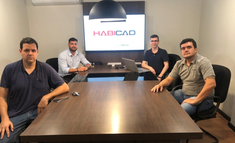 Sócios-diretores da Habicad: Irapuan Moro (acima, dir.), Adriano Krzyuy (acima esq.), Rodrigo Bulyk (abaixo, dir.) e Celso Finck (abaixo, esq.). Divulgação Habicad