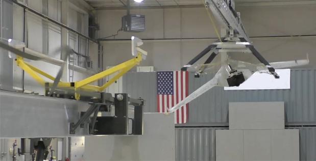 EUA desenvolve plataforma móvel para lançamento e captura de drone
