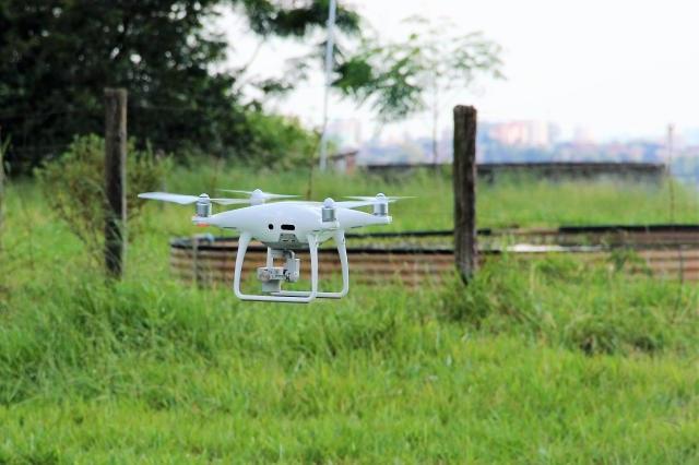 Uso de drones na aplicação de herbicidas será tema de capacitação