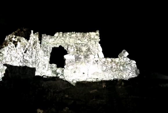 Sítio arqueológico reconstrói história de 500 anos em espetáculo tecnológico